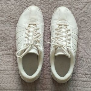 Nike leather cheerleading shoes